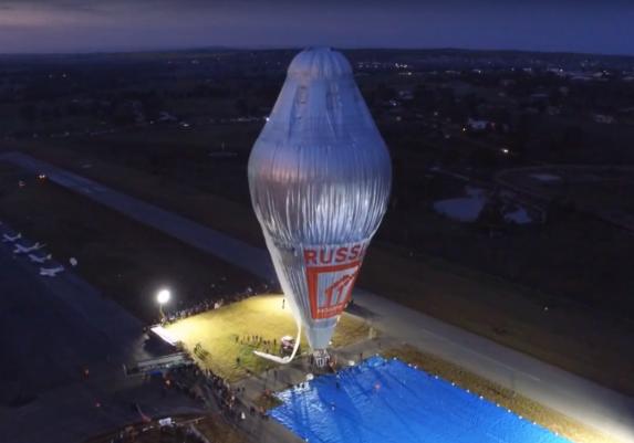 Cameron-balloons-around-the-world